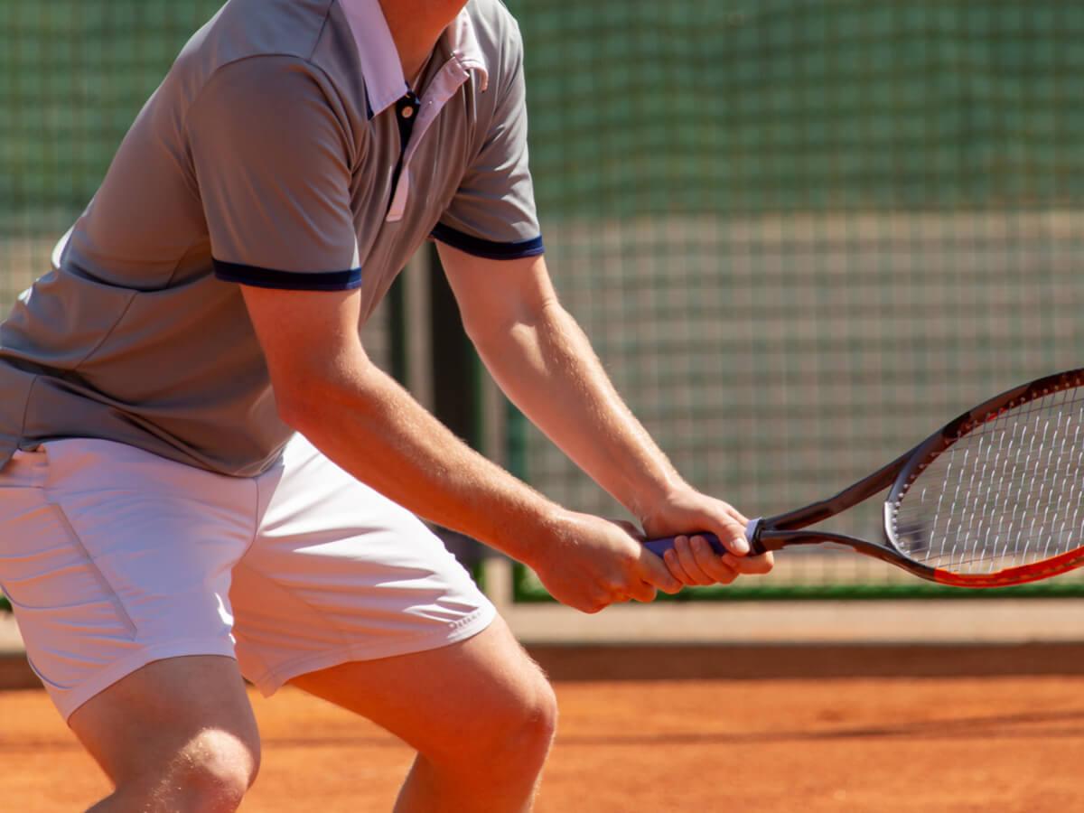 メンズ用テニスウェアおすすめランキングTOP19!人気ブランドやおしゃれなデザインを厳選