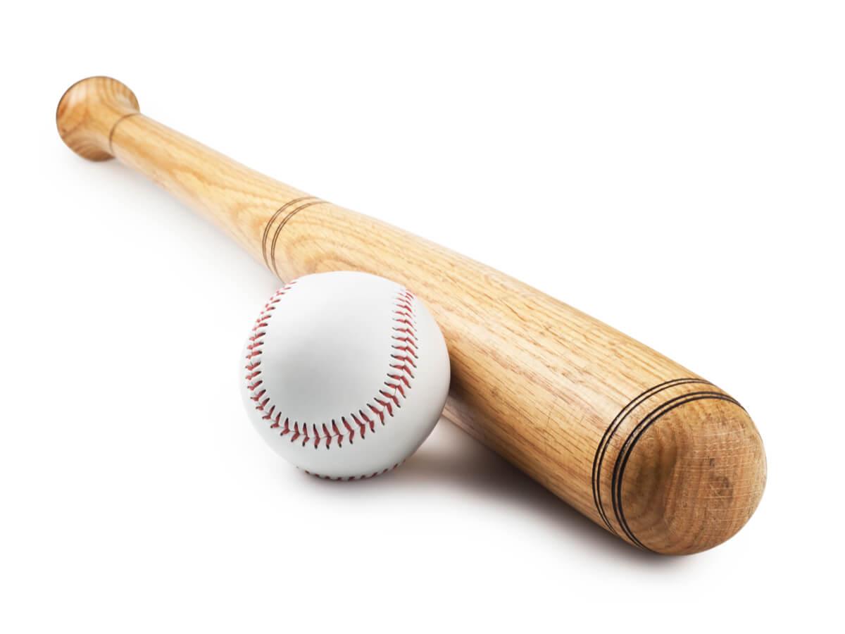 軟式野球バットおすすめランキングTOP15!種類と選び方のポイントを押さえて利点を比較しよう