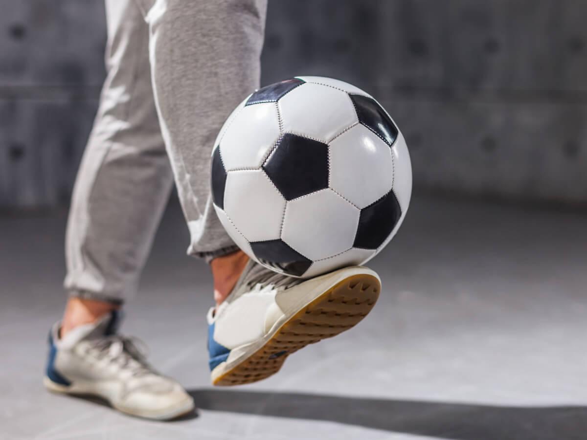初心者にもおすすめのリフティングボールランキングTOP10!選び方から練習方法も伝授