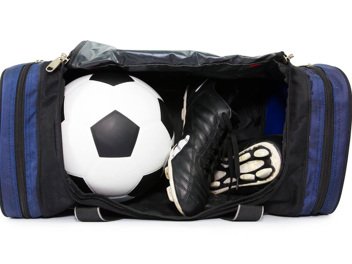 サッカーシューズケースおすすめ18選!バックパックタイプを含めタイプ別でご紹介