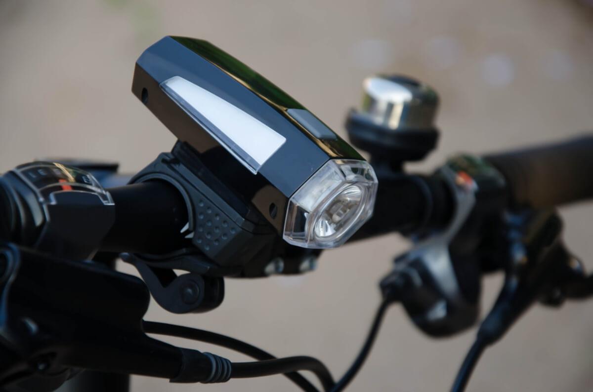 自転車ライトおすすめランキング28選!最強に明るい&防水&USB充電の商品はどれ!?