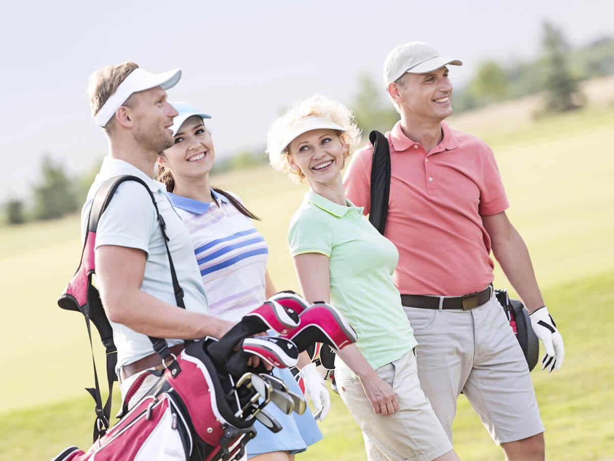 人気のゴルフウェアおすすめ27選!メンズ・レディースから注目のブランドとは