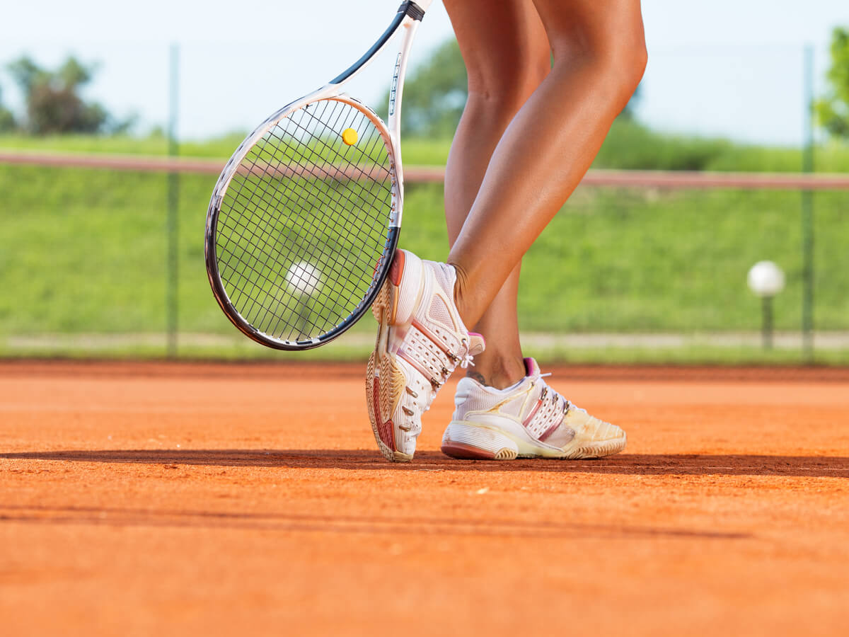 【最新版】テニスシューズおすすめ25選!メーカー・コート別でみる初心者も注目の商品とは