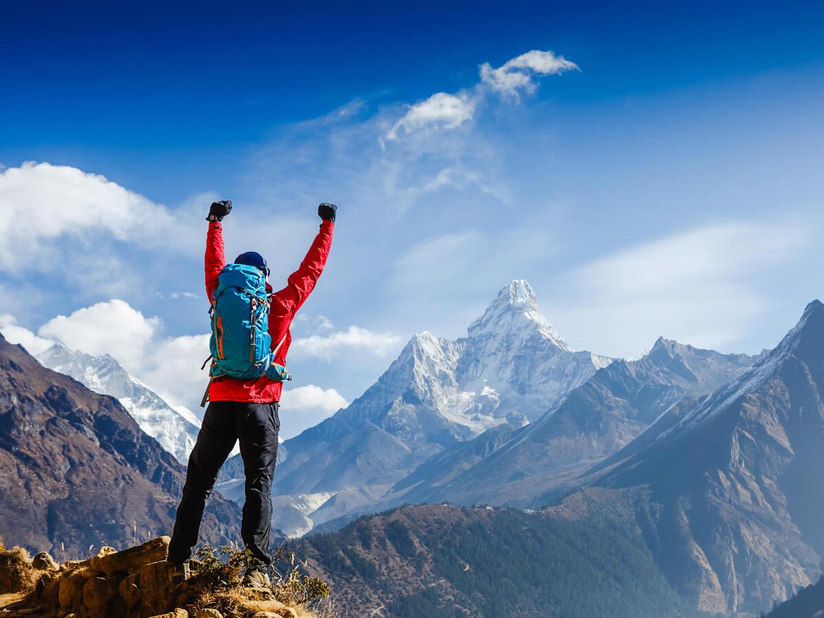 登山用ストックおすすめ9選!初心者も必見の折りたたみ商品をご紹介