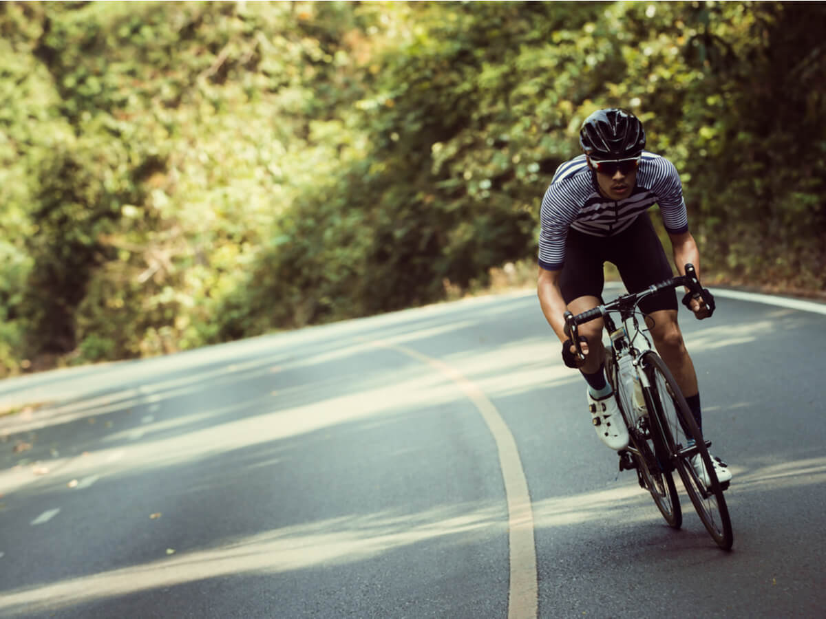 初心者向けロードバイクおすすめ5選!軽いと評判のカーボンフレームを選ぶと走りやすい!?