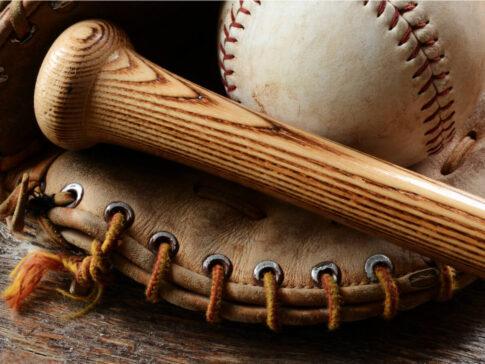 野球グローブとバット